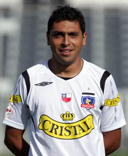 El defensa albo y de la Selección Chilena jugará ahora en la segunda división inglesa